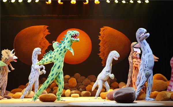 【上海站】爱乐汇·北京儿艺大型恐龙主题实景童话剧《你看起来好像很好吃》